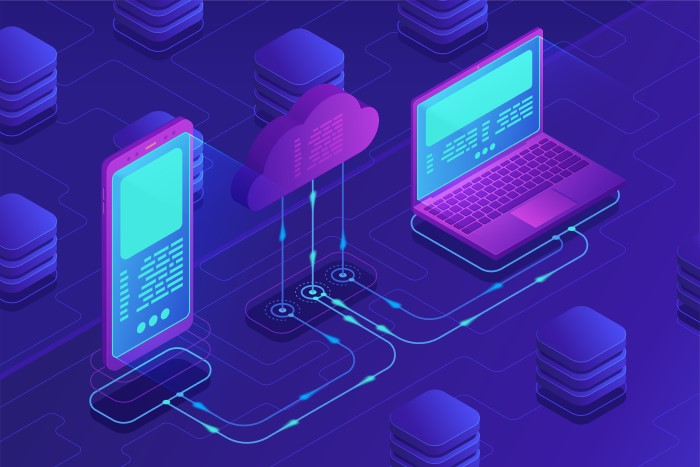 ilustração com celular, nuvem e computador de backup